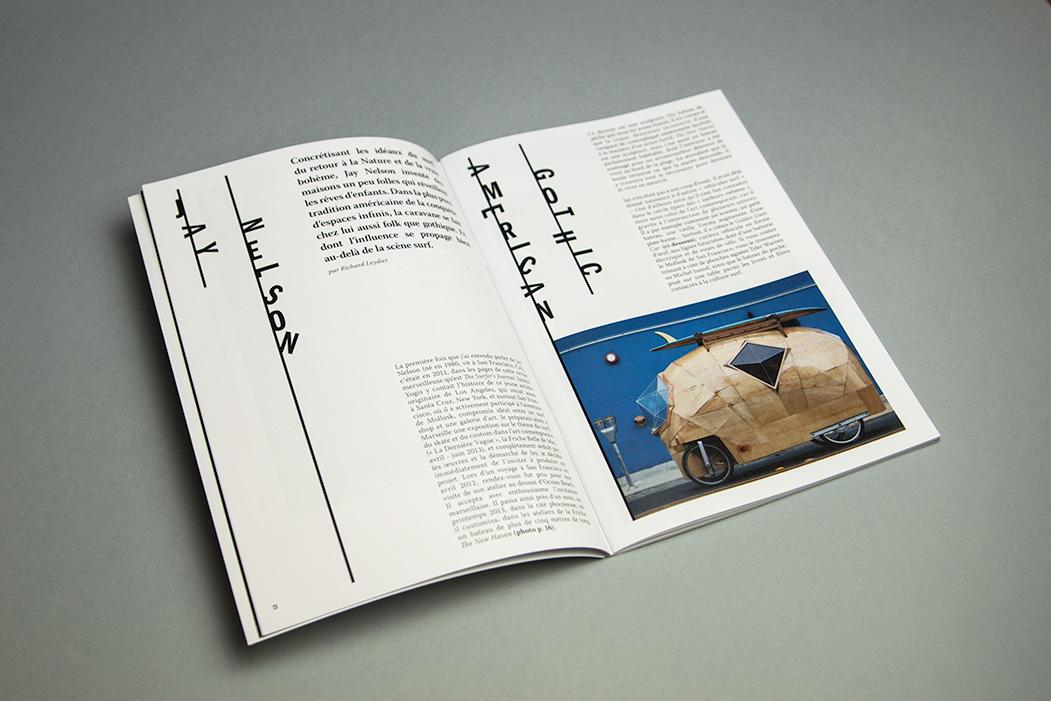Double page intérieur de magazine